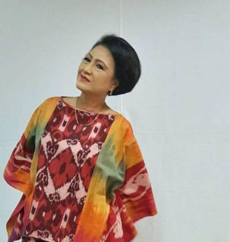 Debby Cynthia Dewi sudah berkarier di industri hiburan Indonesia sejak tahun 1972. Tak jarang, orang mengenalnya sebagai ibu-ibu jahat di sinetron.