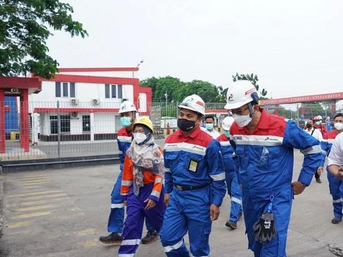 Komisaris Utama Pertamina Basuki Tjahaja Purnama alias Ahok blusukan mengcek fasilitas Pertamina di Palembang