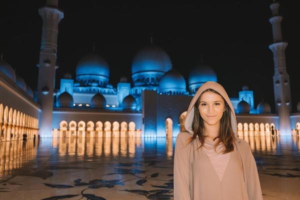 Lexie sudah berkeliling dunia sejak kecil, karena ibunya memiliki agen travel. (Lexie Alford/Instagram)