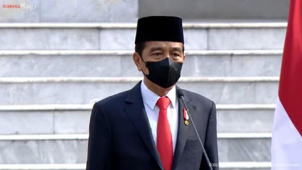 Pengamat: 2 Tahun ke Depan, Menteri Jokowi Satu Kaki di Kabinet Satu Lagi di Baliho