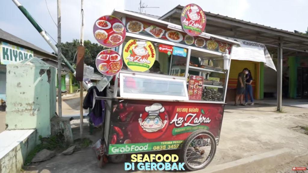 Bawa Duit Rp 15 Ribu, Bisa Jajan Seafood Enak dan Komplet di Sini!
