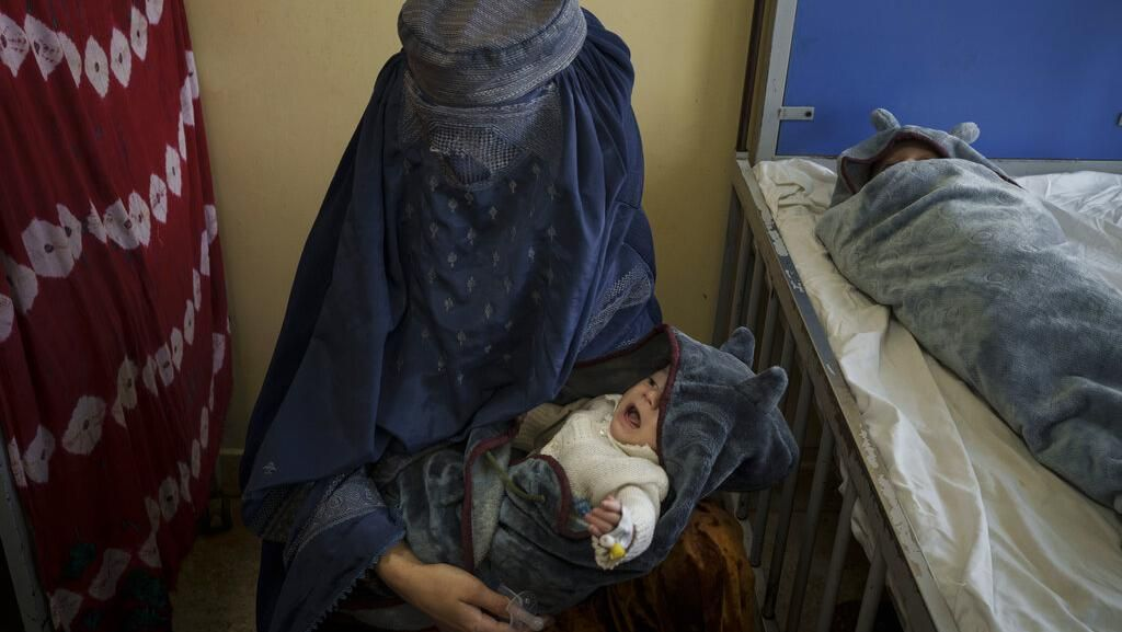 Miris Keluarga di Afghanistan Jual Bayi Gegara Kelaparan