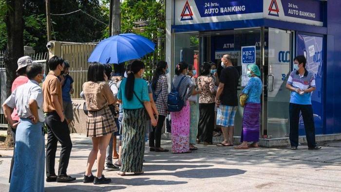 Myanmar: Rakyat dihantui kelaparan akibat Covid dan ketidakstabilan politik, sistem perbankan di ambang kehancuran