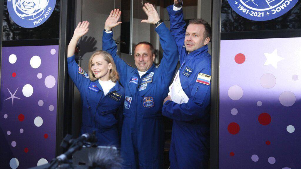 Setelah Taklukkan ISS, Rusia Ingin Bikin Film di Bulan dan Mars