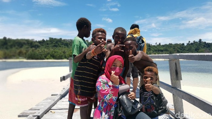 Warga di Isiren, Manokwari Selatan, Papua Barat