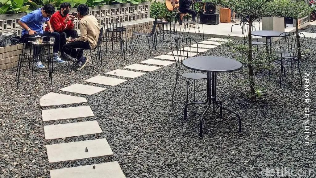 Terbaru di Bandung! Di Coffee Shop Ini Kamu Bisa Hangout Sambil Nikmati Sunset