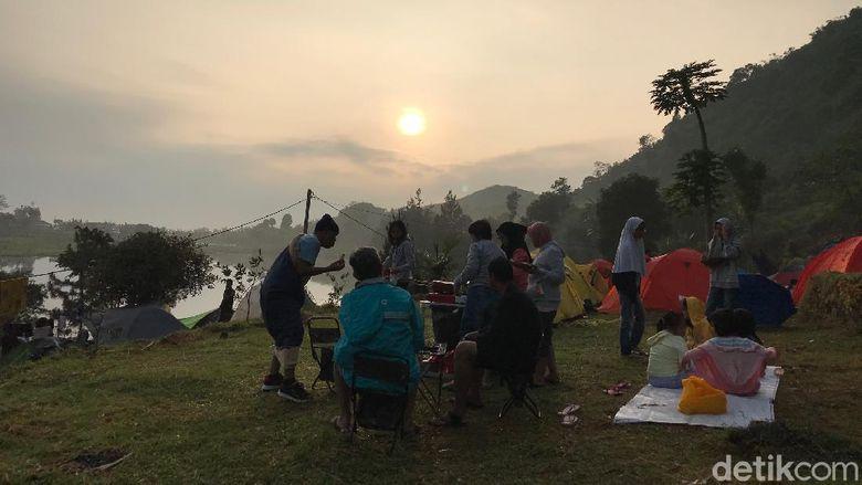 Kemping di Situ Rawa Gede Bogor