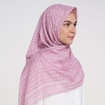 Rekomendasi hijab monogram dari RiaMiranda.