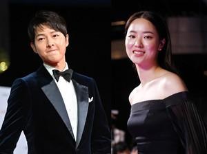 Song Joong Ki Curi Pandang ke Jeon Yeo Bin, Ini Responnya Saat Fans Heboh