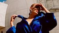Gaya Adele Bikin Pencarian Korset dan Gaun di Internet Naik Drastis