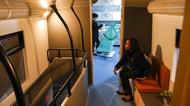 Bus Ini Disulap Jadi Klinik Gigi-Salon Gratis Bagi Tunawisma