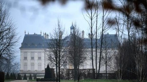 This picture taken on December 22, 2017 shows the Chateau Louis XIV in Louveciennes. - Saudi Crown Prince Mohammed bin Salman has been revealed as the owner of the French chateau described as the world's most expensive home, according to a report in the New York Times. The purchase of the vast property west of Paris for $300 million (275 million euros) would be the latest in a string of extravagant purchases by the powerful prince, who has been waging a sweeping anti-corruption campaign. (Photo by STEPHANE DE SAKUTIN / AFP)