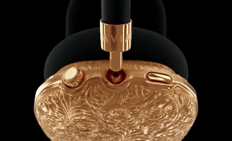 Koleksi Caviar Prime yang terdiri dari iPhone 13 Pro, iPad mini 6, AirPods Max dan PS5 berlapis emas murni 18 karat