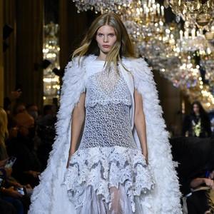 10 Koleksi Louis Vuitton Spring/Summer 2022, Perjalanan Waktu yang Glamour