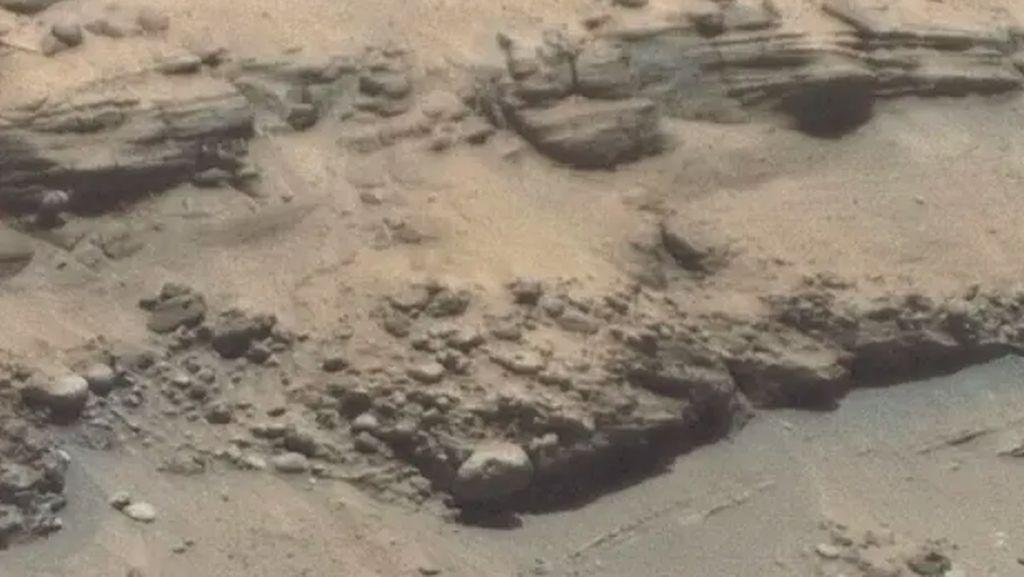 Foto Terbaru Buktikan Pernah Ada Air di Mars