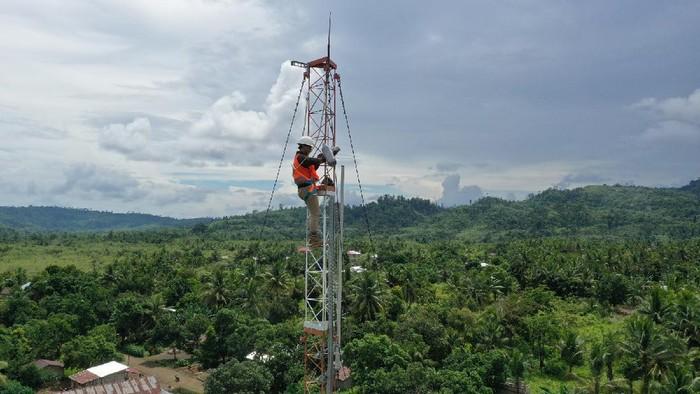 Telkomsel siap menggelar jaringan 4G baru di daerah pelosok. Sebanyak 7.772 Base Transceiver Station (BTS) Universal Service Obligation (USO) akan dioperasikan untuk menghadirkan sinyal 4G Telkomsel di wilayah Tertinggal, Terdepan, dan Terluar (3T).