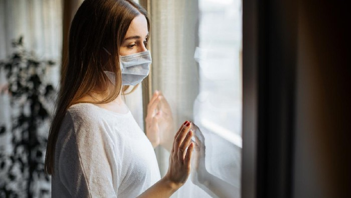 Woman in isolation at home for virus outbreak