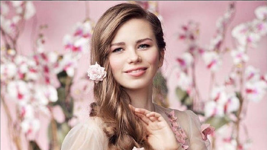 8 Potret Rapunzel Dunia Nyata, Tak Potong Rambut Selama 23 Tahun
