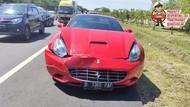 Ferrari Hantam Kendaraan di Tol Sidoarjo-Porong, Kemacetan Panjang Tak Terhindarkan