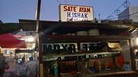 Sate Ayam H. Ishak Legendaris di Pasar Lama, Bisa Laku 6.000 Tusuk!