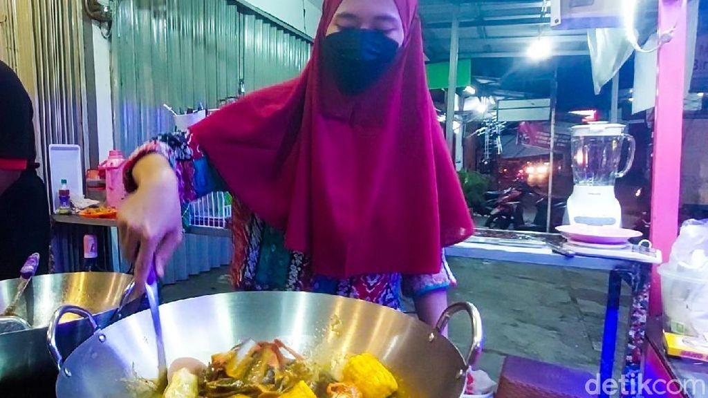 Gurihnya Peluang Bisnis Seafood Gerobakan di Kawasan Padat Penduduk