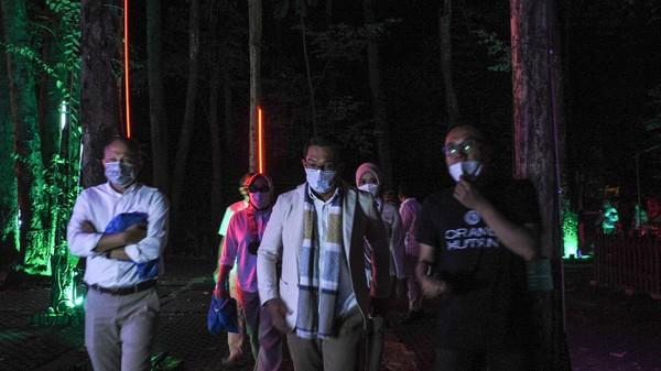 Gubernur Jawa Barat Ridwan Kamil meresmikan Taman Hutan Menyala yang mengusung konsep wisata alam pada Jumat (8/10/2021).