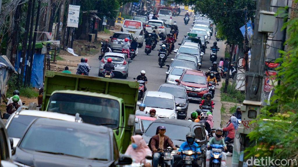 Geliat Kemacetan Jalan di Tangsel Saat Akhir Pekan