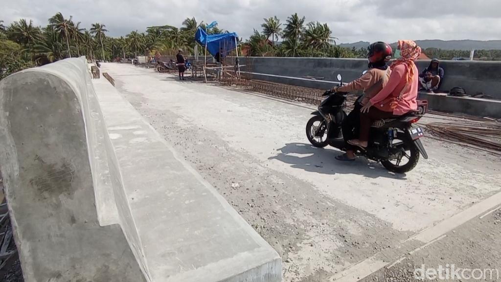 Jembatan Cikidang Hampir Rampung, Sudah Ramai Dilintasi Warga