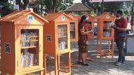Rumah Baca Nawala, Asyiknya Membaca di Halaman Balaikota Solo yang Teduh