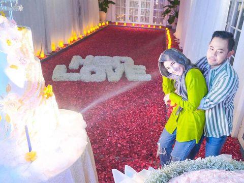 Shandy Purnamasari dapat Kejutan Romantis dari Suami