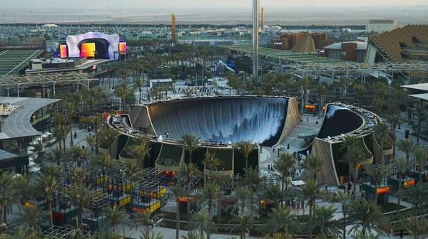 Air terjun buatan WET ini merupakan salah satu instalasi terbesar dan tercanggih secara teknologi untuk Expo 2020 Dubai.