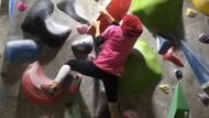 Aksi Atlet Panjat Tebing Putri Asal Lamongan Bikin Jatim Tambah Medali