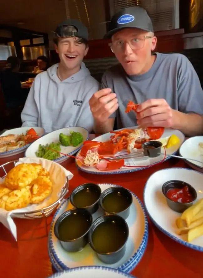 Demi Konten, Dua Pria Ini Bawa Lobster Hidup Untuk Prank Pelayan Restoran