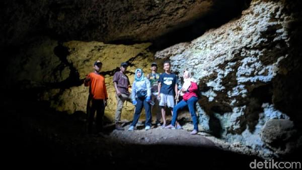 Tempat ini berlokasi di kawasan pegunungan kapur, Desa Songgom Lor, Kecamatan Songgom, Kabupaten Brebes.(Imam Suripto/detikcom)