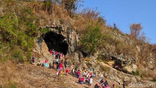 Kenapa disebut Goa Lawa? Sebelum dikelola menjadi destinasi wisata, goa ini merupakan Sarang dari ribuan kelelawar.(Imam Suripto/detikcom)