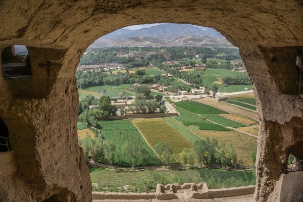 Sejumlah monumen di Provinsi Bamiyan telah berdiri selama 1.500 tahun. Namun, peninggalan-peninggalan itu dihancurkan oleh Taliban pada 2001 lalu.(Getty Images/iStockphoto)