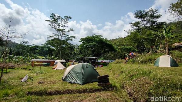 Desa Tinalah berlokasi di kawasan Sungai Tinalah dan Pegunungan Menoreh. Desa ini mengusung konsep penyatuan alam dan nilai-nilai budaya dengan slogan Pesona Alam dan Budaya.(Jalu Rahman Dewantara/detikcom)