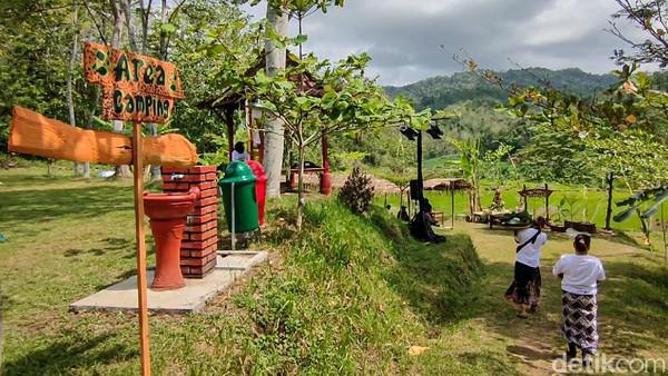 Tahun ini, Desa Wisata Tinalah mendapat Juara 2 Ekonomi Kreatif Desa Wisata Kulon Progo(Jalu Rahman Dewantara/detikcom)