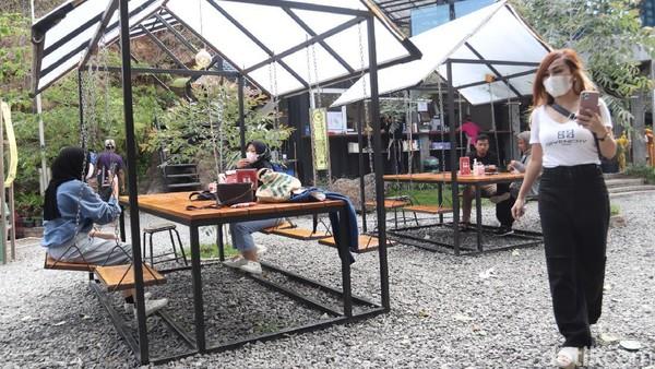 Ruang Lapang sudah dibuka sejak 8 bulan lalu di kawasan Stone Garden. Sebelumnya, kawasan tak tertata rapi. (Wisma Putra/detikcom)