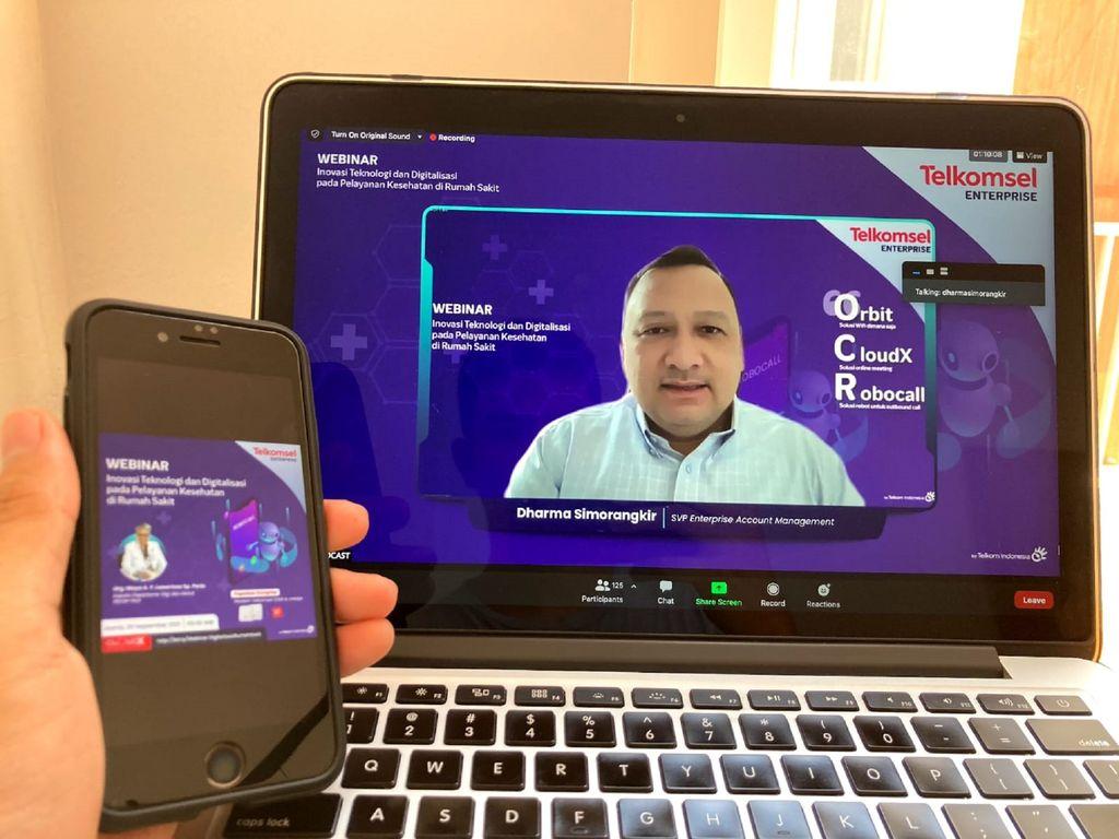 Robocoll adalah solusi digital yang dikreasi oleh Telkomsel dengan harapan memungkinkan  rumah sakit untuk melakukan panggilan kepada pelanggan secara bersamaan secara digital atau tanpa memerlukan agent.