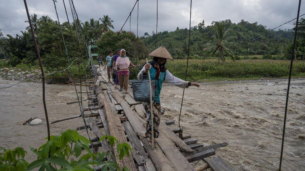 Bertahun-tahun Rusak, Jembatan Gantung di Sigi Tak Kunjung Diperbaiki