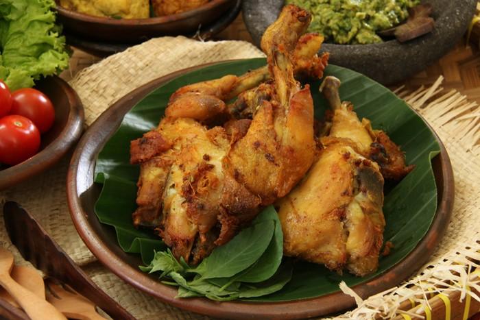 Ciri-ciri restoran ayam berpenglaris