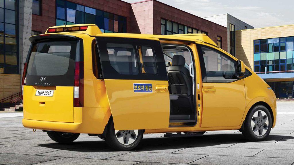 Hyundai Staria jadi bus sekolah