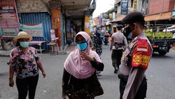 Kasus COVID-19 di Bali kini melandai. Data Satgas Penanganan COVID-19 Bali tercatat pada Senin (11/10) yang terkonfirmasi positif COVID-19 sebanyak 37 orang.