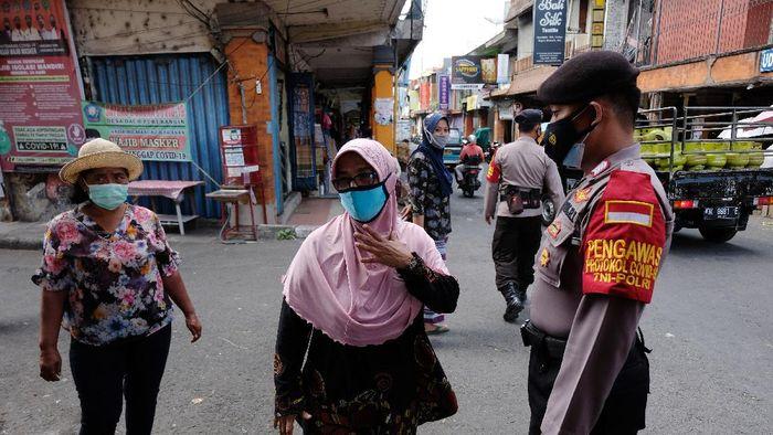 Kasus COVID-19 di Bali kini melandai. Data Satgas Penanganan COVID-19 Provinsi Bali tercatat pada Senin (11/10/2021) yang terkonfirmasi positif COVID-19 sebanyak 37 orang.
