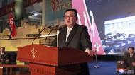Disaksikan Kim Jong-Un, Tentara Korea Utara Pamer Kekuatan