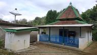 Datang ke Kampung Pitu Pacitan Bisa Lengserkan Jabatan, Mitos atau Fakta?
