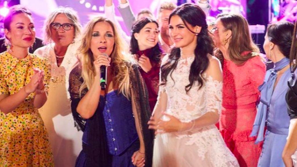 Mengintip Pernikahan Super Mewah Influencer Cantik Rusia