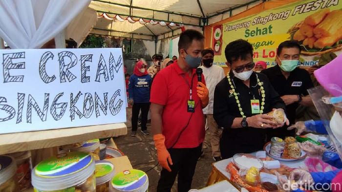 Menteri Pertanian, Syahrul Yasin Limpo melakukan kunjungan kerja ke Kota Salatiga, Jateng. Syahrul meresmikan Kampung Singkong di Desa Ledok, Kecamatan Argomulya, Salatiga.