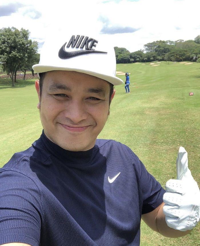 Gilang Dirga Hobi Ngopi di Lapangan Golf sampai Ngemil Cake